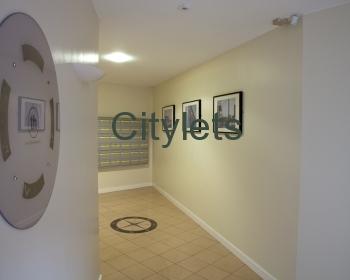 Flat 16 - Penthouse Hub Apartments (Professional - Furnished)